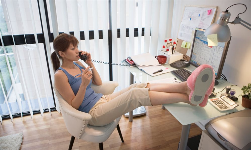 Офис в стенах дома: планирование пространства для продуктивной и безопасной работы