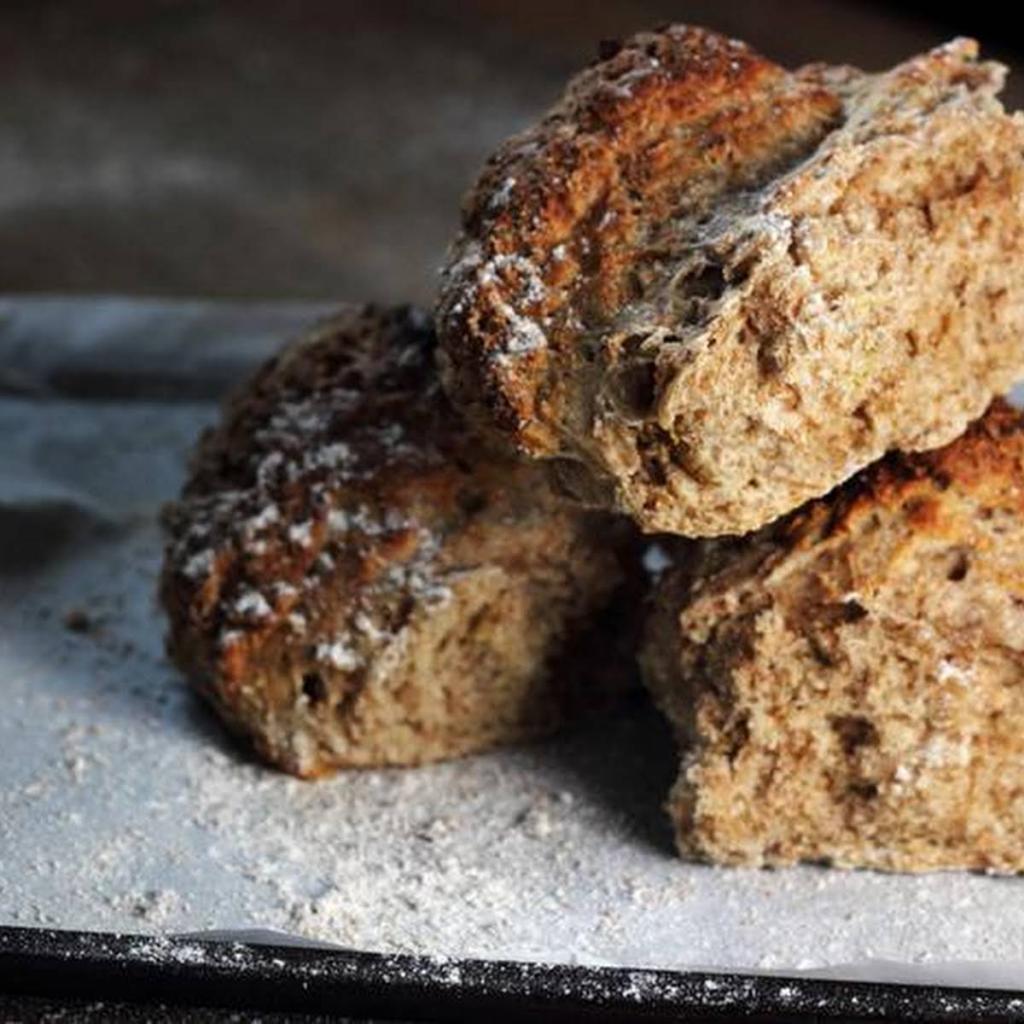 Хлеб можно приготовить без дрожжей и хлебной муки: используйте содовую альтернативу и не только