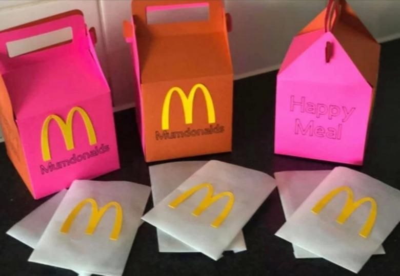 «Мамдоналдс»: девушка придумала милые коробочки для еды детям на время изоляции