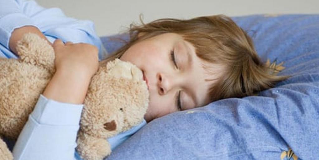 Ночник от плохих снов: психологи рассказали, как помочь детям перестать видеть кошмары