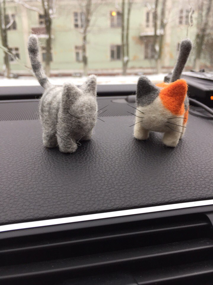 Мяу-поделки родом из Северодвинска: художница создает фигурки милейших котят из войлока