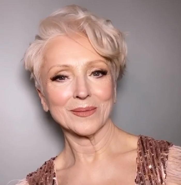 71 летняя Ольга доверилась визажисту и ушла из салона невероятной красавицей (хоть завтра на подиум)