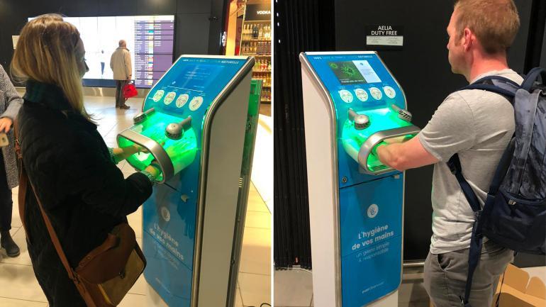 Французский стартап разработал терминал для общественных мест, который дезинфицирует руки за 7 секунд