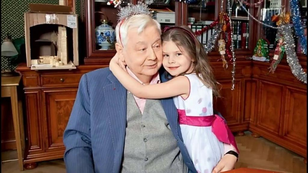 Как выглядит младшая дочь Олега Табакова: вдова опубликовала фото 14 летней девочки
