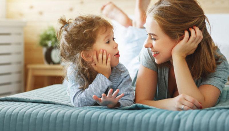 Чтобы не сердиться на малыша и наладить отношения, нужно суметь его понять: записываем свои интонации и другие приемы