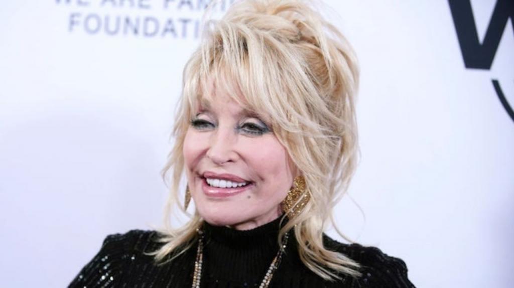 После этого мы станем лучше : певица Долли Партон считает, что коронавирус   урок от Бога