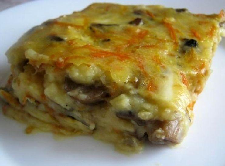 Обожаю эту запеканку. Делаю ее из картофельного теста, сыра, курицы и грибов