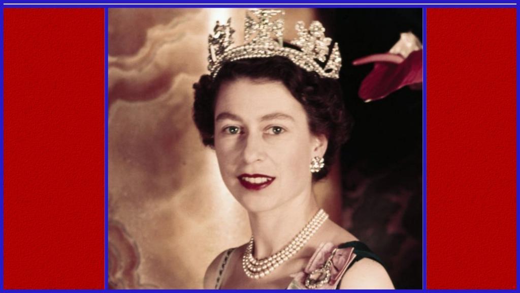 Три ниточки жемчуга: почему королева Елизавета II почти всегда появляется в таком украшении (история тянется с детства)