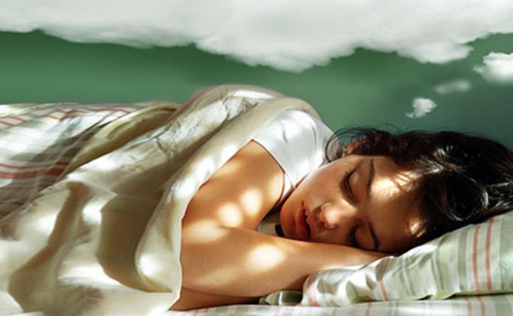 От погони до суперспособностей: психологи рассказали, какие сны мы видим чаще других (в процентах)