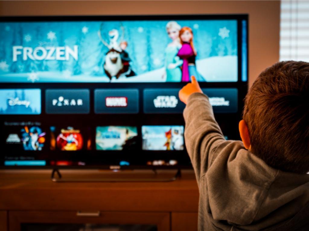 Потоковый сервис Disney Plus уже имеет 50 миллионов подписчиков по всему миру, хотя был запущен всего 5 месяцев назад