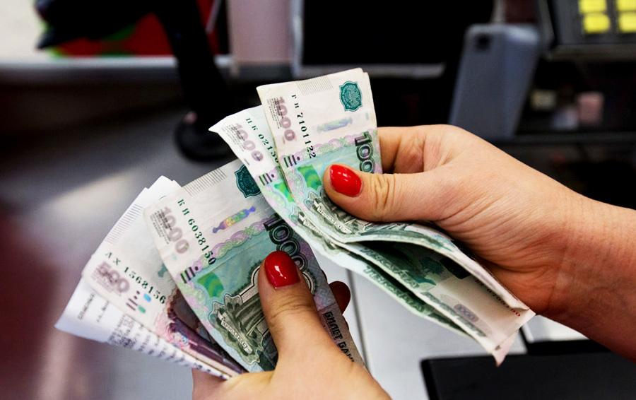 Насколько опасны деньги, когда бушует коронавирус (узнав, как долго вирус держится на бумаге, я поняла, что нужно минимизировать контакт с купюрами)