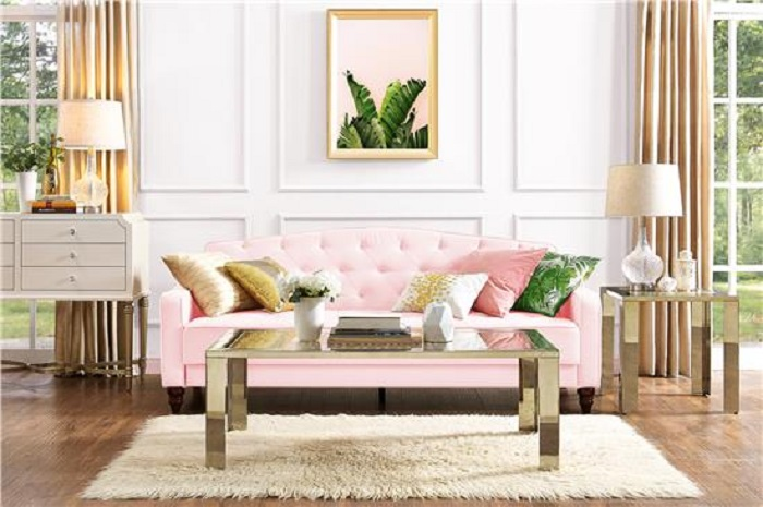 Вряд ли в ближайшее время я куплю новый диван, но свекор подсказал несколько способов преобразить старый (не только поменять обивку)