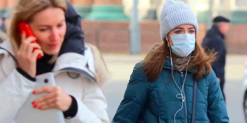 Зараженным коронавирусом в Москве выдали смартфоны с включенной геолокацией для мониторинга местоположения