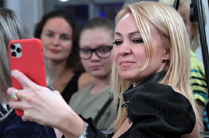 Яна Рудковская прокомментировала разлад в отношениях Джигана и Самойловой и назвала его пиаром