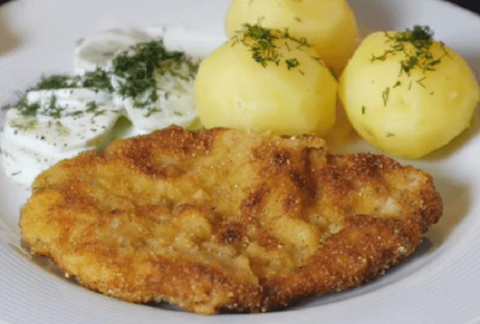 В Польше готовят отбивные не так, как у нас. Маринуют их в молоке с чесноком
