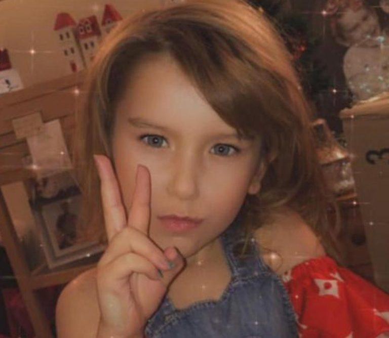 11-летняя девочка нашла автозагар и решила испытать его на себе. Увидев дочь, мама долго смеялась