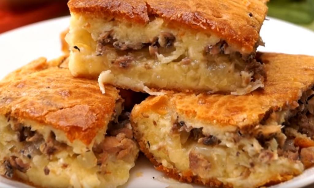 Сайрой запаслись? Легкий заливной пирог с сайрой и картофелем: не нужно ничего раскатывать и защипывать