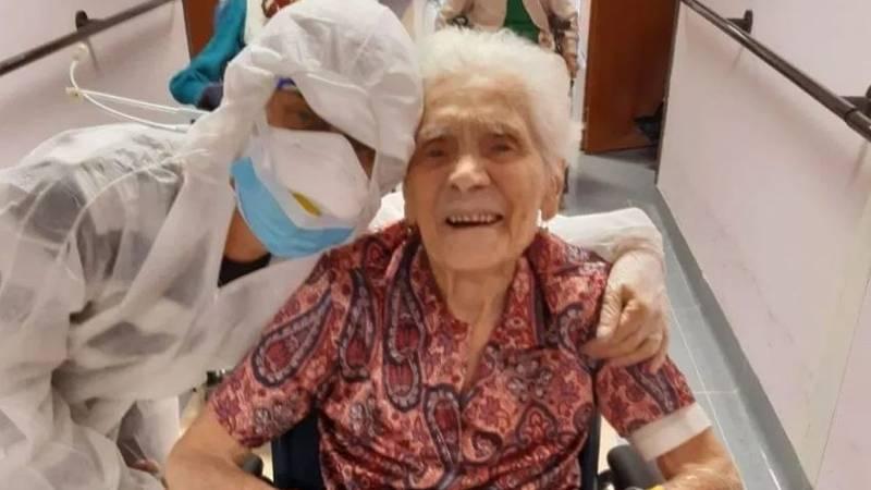 Она пережила пандемию испанского гриппа в 1918 году: старейшей женщине, переболевшей коронавирусом, 104 года
