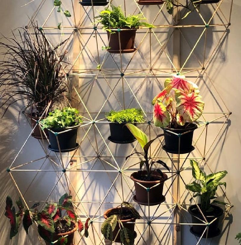 Сделала решетчатый стенд для цветочных горшков: стильно, практично и недорого