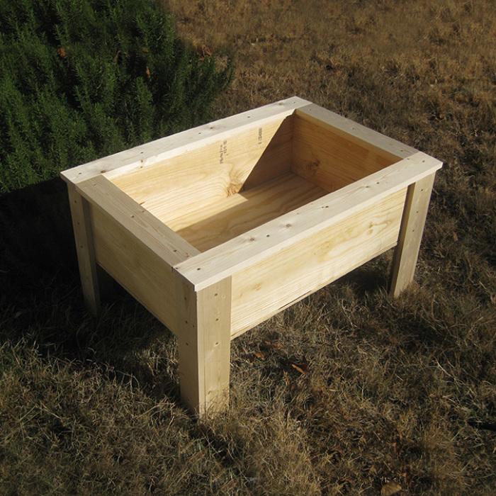 Делаем своими руками маленькие приподнятые грядки для юных огородников: пошаговая инструкция
