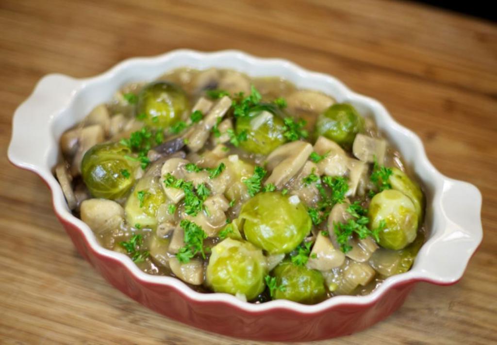 Я готовлю брюссельскую капусту с грибами и луком: кто пробовал, одобрили и просят рецепт вкуснейшего блюда