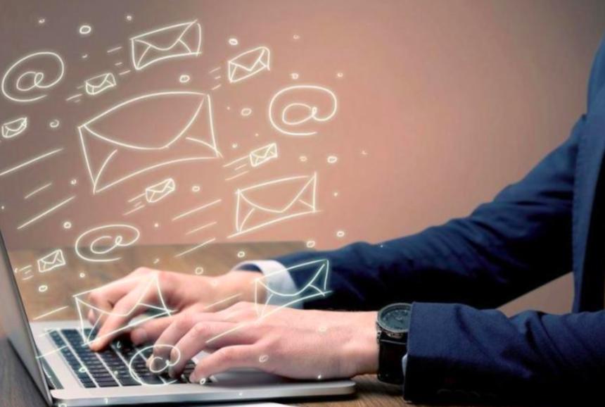 Способствует ли стрессу публикация дезинформации? Как люди реагируют на вирус