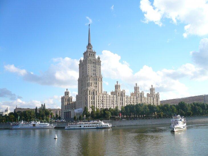 Вместо Дорогомиловской ее назвали Украина: 25 мая - день рождения легендарной московской гостиницы