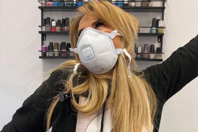 «Я волнуюсь за людей на карантине!»: косметолог рассказала, как один домашний продукт может решить проблемы с волосами и ногтями