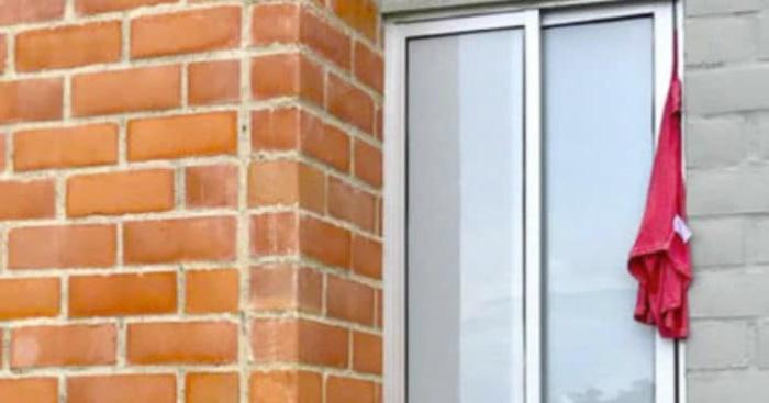 Подруга из Испании рассказала, почему, увидев в окне соседки красное полотенце, побежала в магазин