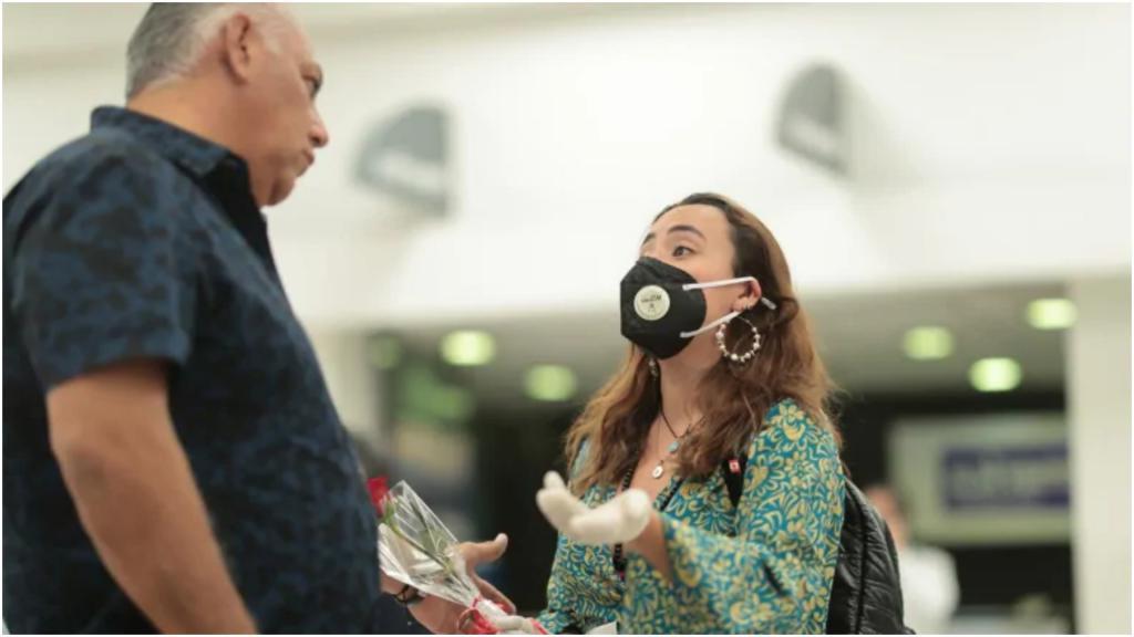 Соблюдайте тишину: врачи предупредили, что громко говорящие люди наиболее опасны при коронавирусе