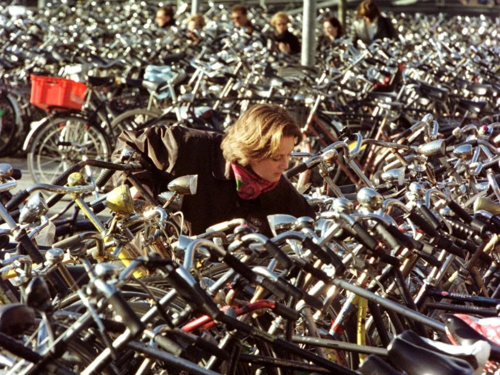 Жители Мидлтона активно меняют авто на велосипеды - России пока до этого далеко