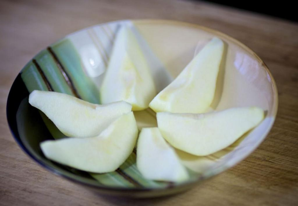 Рулетики из телятины с грушей: рецепт нежного и вкусного блюда - готовится легко и быстро