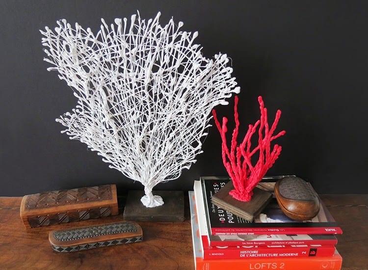 В отпуск пока поехать не получается, поэтому нужно привнести немного моря в свой дом: делаем яркие кораллы из проволоки своими руками