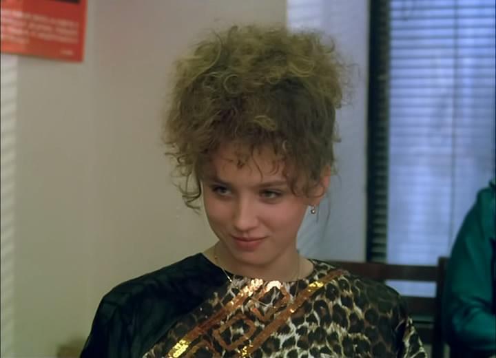 Более 30 лет назад она сыграла малолетку в  Интердевочке : как сегодня выглядит Наталья Щукина