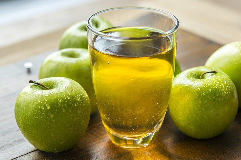 Мясо получается сочное и ароматное: секрет в использовании яблочного сока