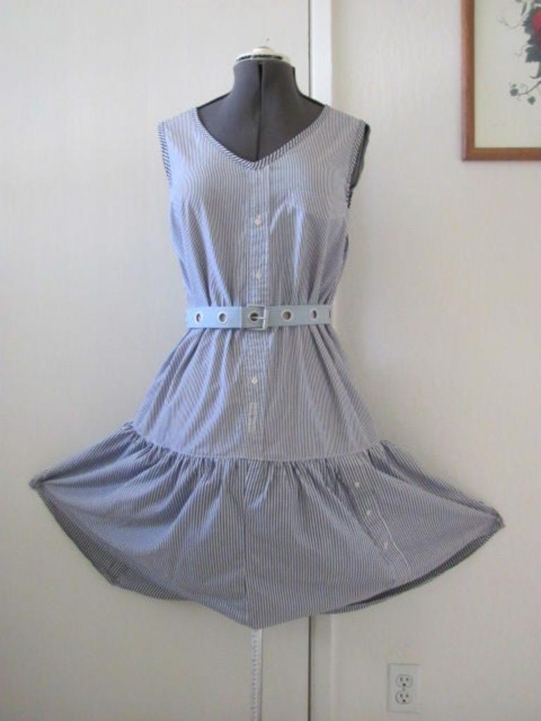 Из трех рубашек мужа, которые он не носит, я сшила очень милое летнее платье: способ простой, легко справится даже начинающая швея
