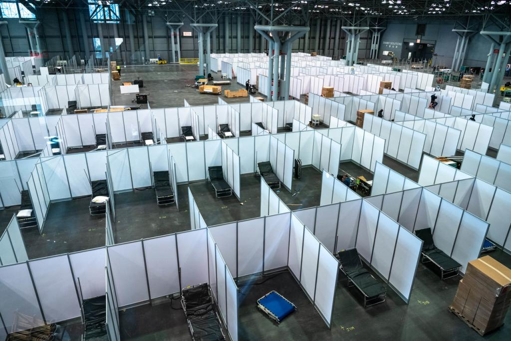 Павильоны, предназначавшиеся для показа новинок Международного автосалона - 2020, переоборудовали под антикоронавирусный госпиталь