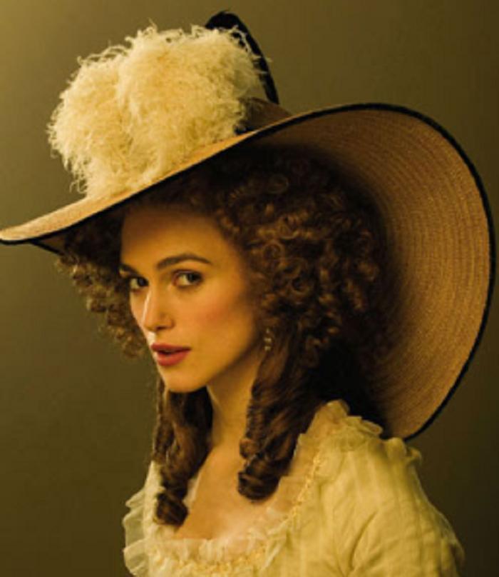 Шляпа как признак авторитета. Эксперты советуют выбирать ее по цвету и форме