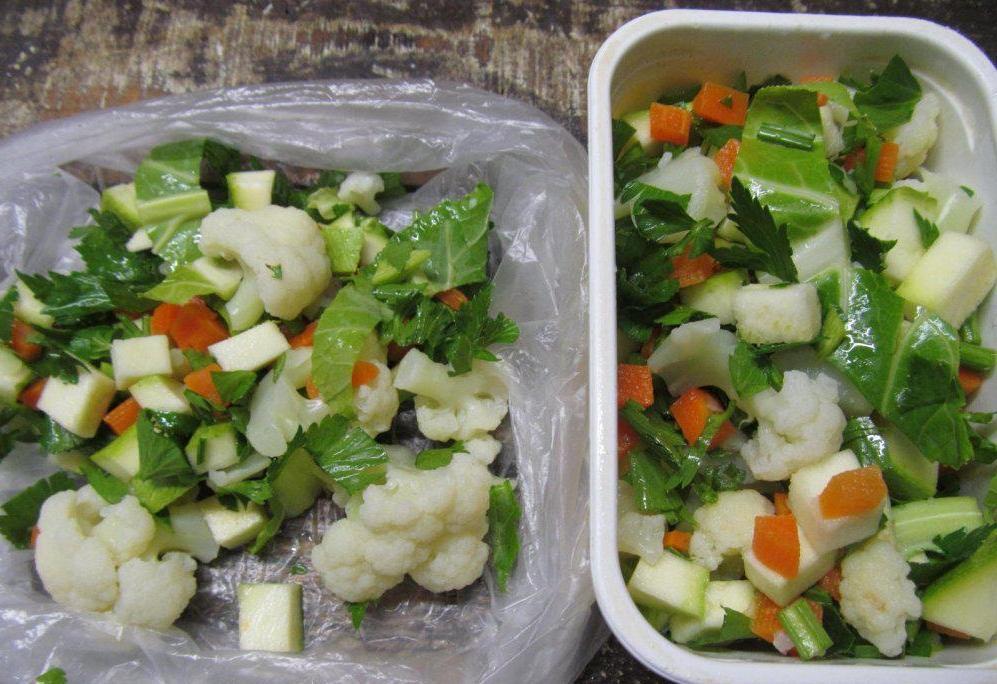 Как овощную смесь из магазина сделать небанальной: беру немного сыра, пару ложек сметаны (рецепт)