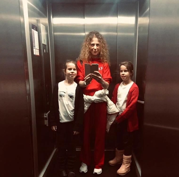 Певица Юта рано овдовела: подросшие дети невероятно похожи на отца (фото)