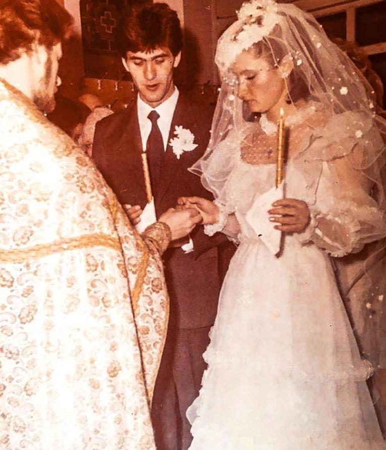 29 лет назад Сергей Пускепалис перед Богом дал обещание любить: как сейчас выглядит его вторая половина