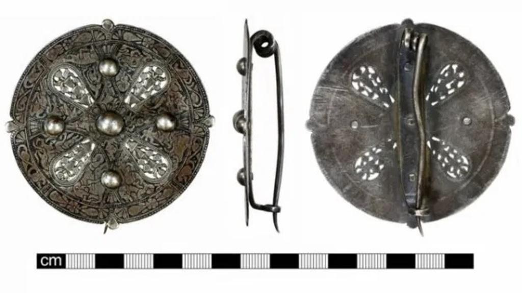 Тайна украшения, которому 1100 лет. Говорят, что загадка этой серебряной броши не будет раскрыта никогда