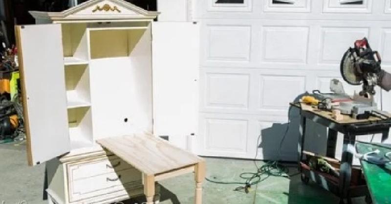 Соседи предложили нам для дачи свою старую мебель. Муж забрал и сделал из нее для дочки детский стол-шкаф