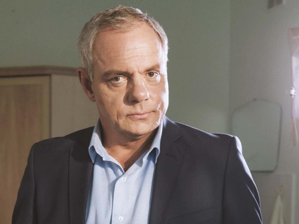 Актер Александр Мохов рассказал о двух разводах: все имущество оставил женам