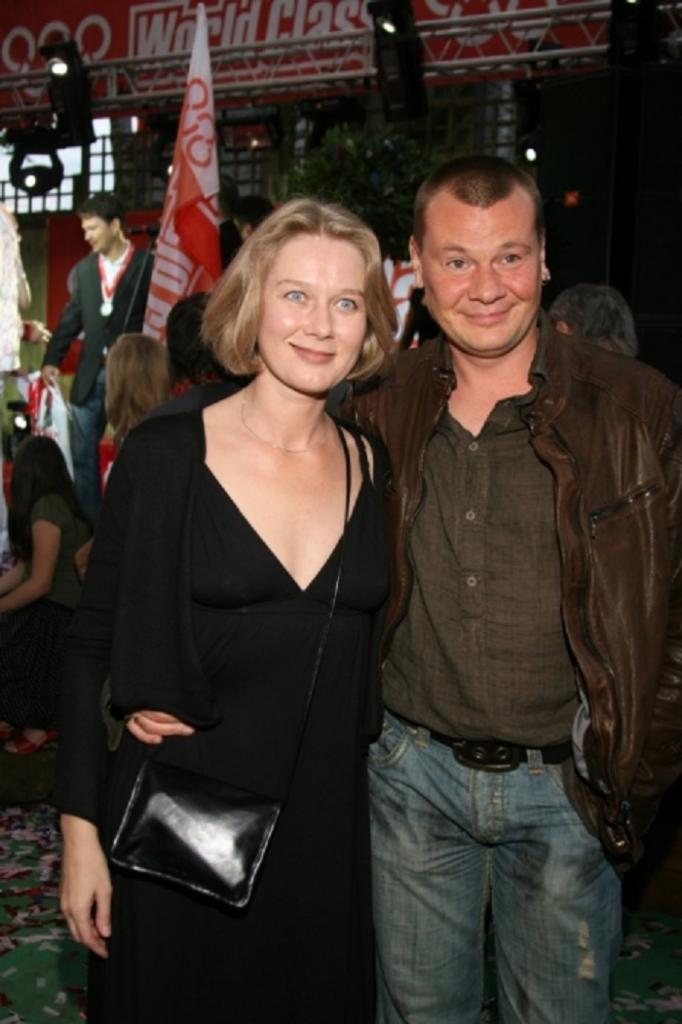10 лет назад Дарья Михайлова стала вдовой: за это время ее внешность сильно изменилась (сейчас актрисе 55 лет)