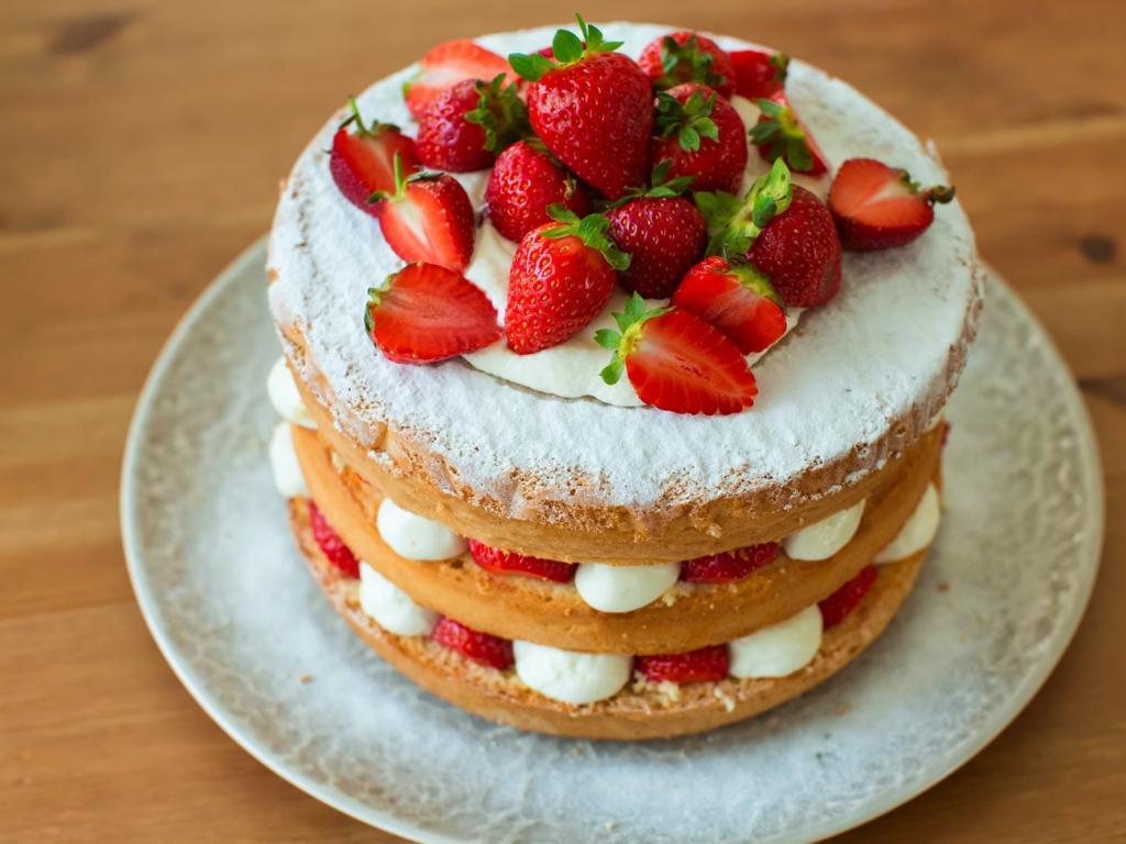 Шеф-повара делятся секретами: кекс из готовой смеси можно сделать вкуснее и полезнее (иногда достаточно одного желтка)