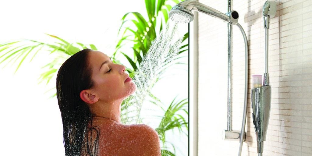 Подруга-дерматолог спросила, как я принимаю душ. Выслушав, она объяснила, что я наношу вред своей коже
