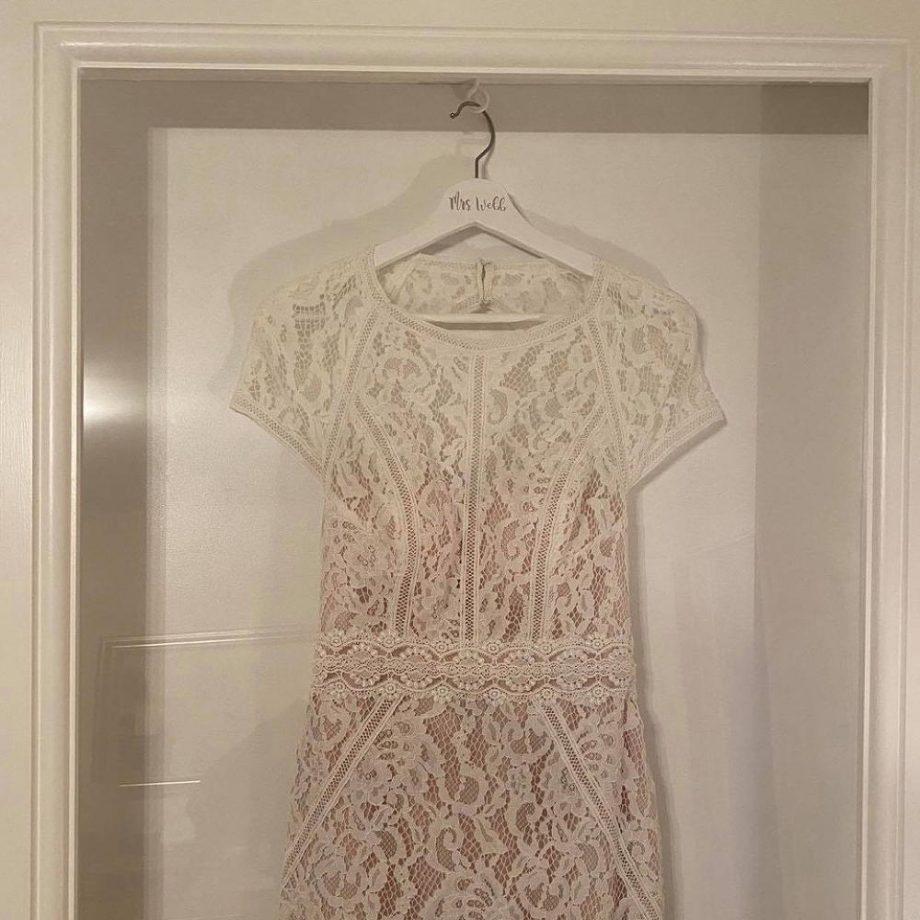 После свадьбы молодожены придумали оригинальный способ превратить платье невесты в памятный сувенир