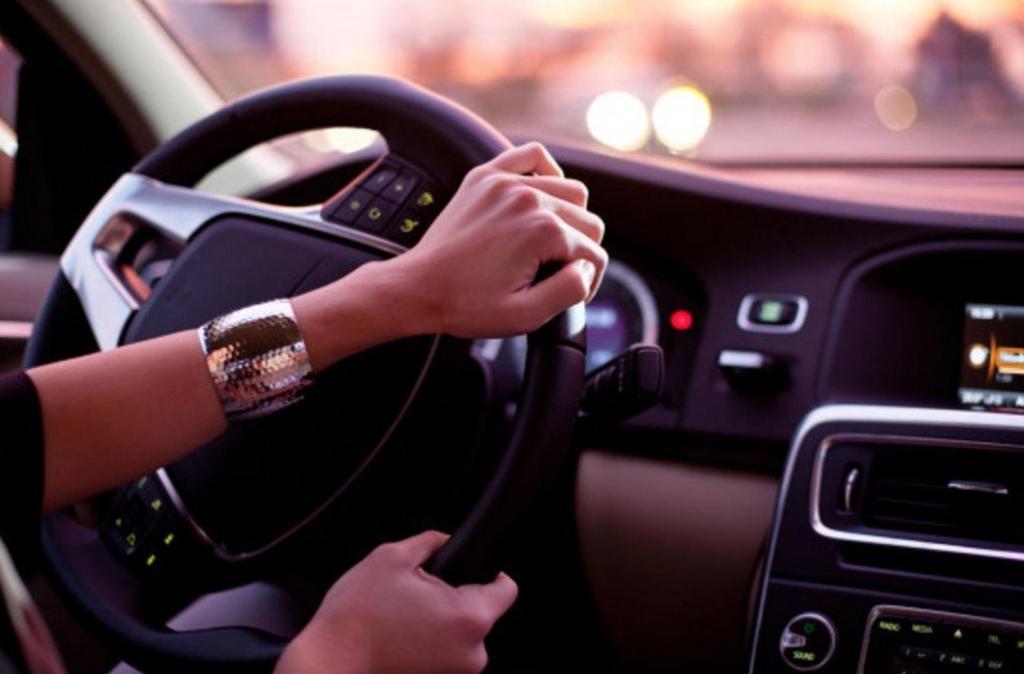 Водить машину вокруг дома: что поможет вам почувствовать себя лучше во время карантина