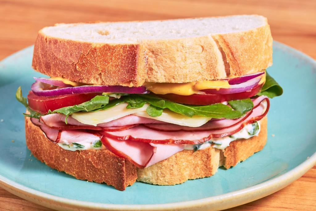 Тофу, сэндвичи и кукурузные палочки: 5 всеми любимых продуктов, которые были изобретены случайно